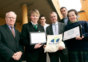 Robert Emmet Hernan, students from Holy Trinity, Jonathan Smith of Tidy NI, Minister Alex Attwood, Anthony Purcell of An Taisce, and students from Ursuline College, Sligo.