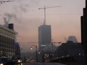 #7-800px-Dexia_Bank_Brussel_smog-740x555